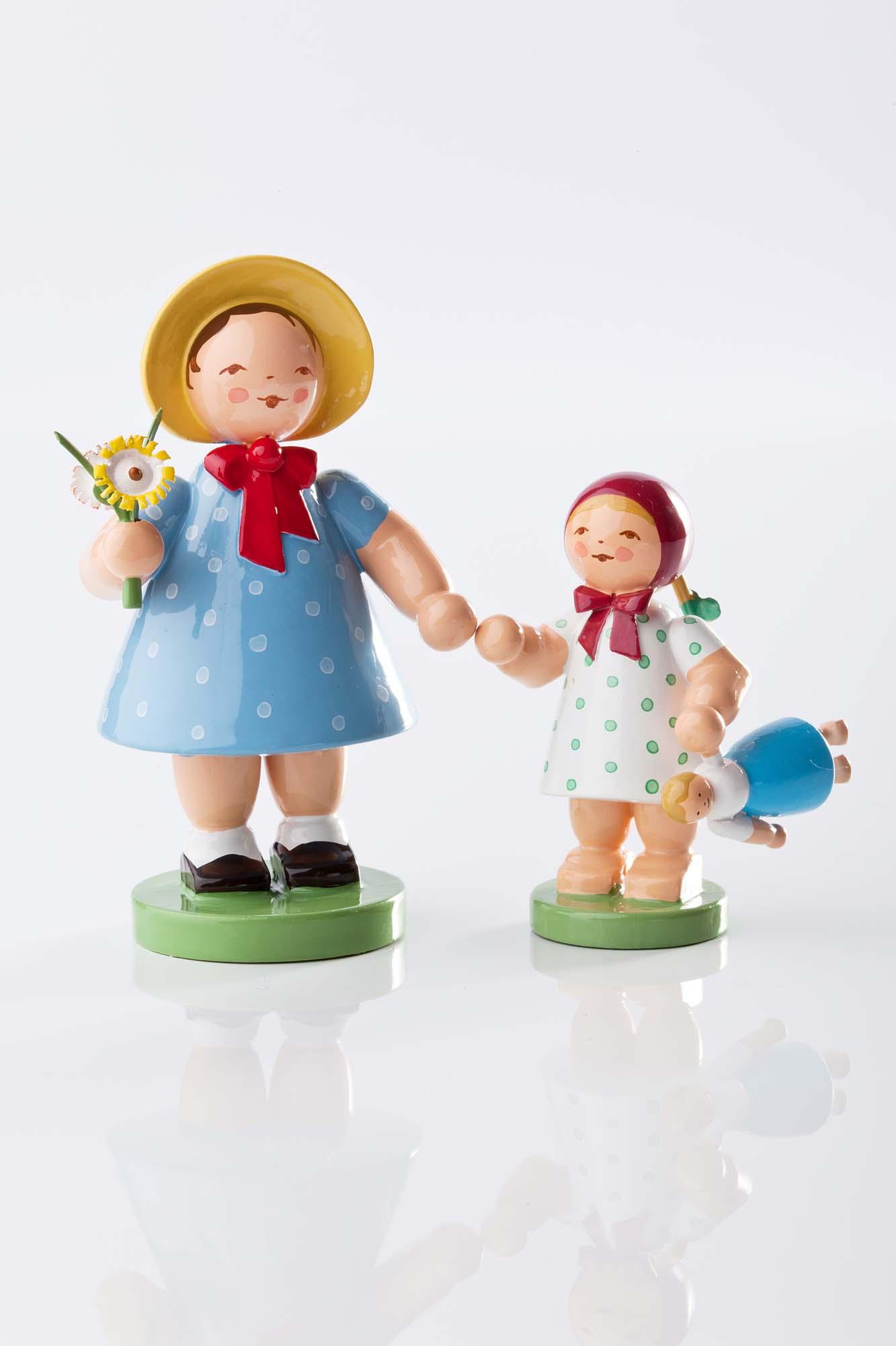 Mädchen mit Strauß 5231/1 und Mädchen mit Puppe 5231/2
